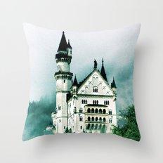 Ludwigs Erbe Throw Pillow