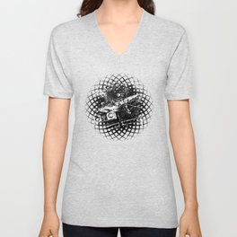 lost place rusty american car wreck splatter watercolor black white Unisex V-Neck