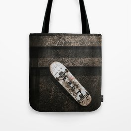 Grungy Skateboard (Color) Tote Bag