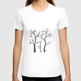 Silhouette of a rowan tree with berries T-shirt
