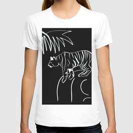 Tiger On The Rock - Black & White Palette T-shirt