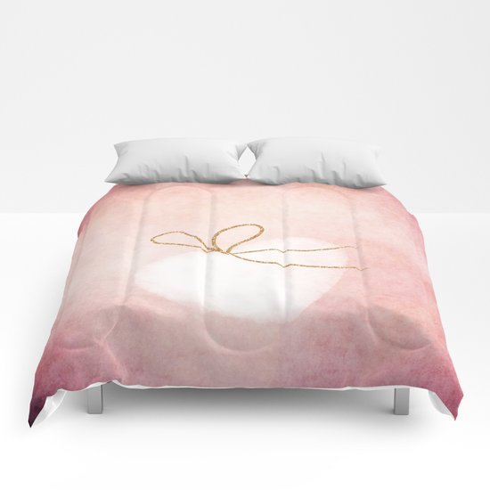 LOVE in pink - Watercolor heart with gold bow on pink backround Comforters