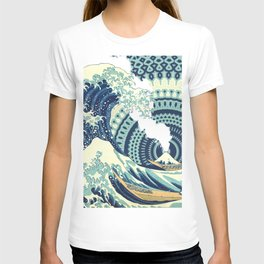 The Great Wave Eruption And Kaleidoscope Bacground T-shirt
