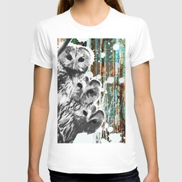 Rusty Owls in the Snow T-shirt