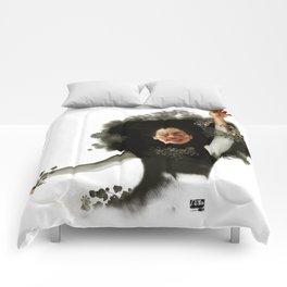 Mina  Comforters