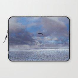 Pastel vibes 42 - El vuelo II Laptop Sleeve