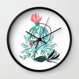 Beauty Catch Wall Clock
