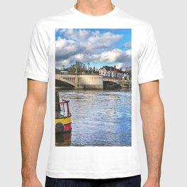 Caversham Bridge in Reading T-shirt