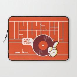 UNDO | Music to the people 02 Laptop Sleeve