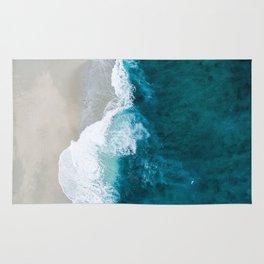 Seashore and rough water Rug