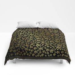 golden notes music symbol in black Comforters