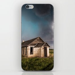 Pioneer - Abandoned Settlement Under Storm On Colorado Plains iPhone Skin