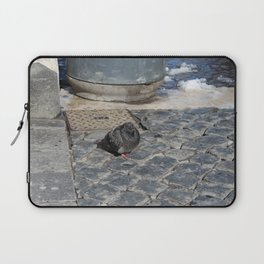 angry pidgeon on the ground Laptop Sleeve