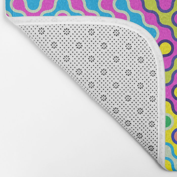 Abstract Psychedelic Pop Art Truchet Tile Pattern Bath Mat