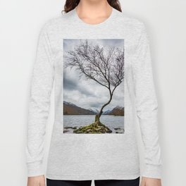 Winter in Snowdonia, Wales Long Sleeve T-shirt