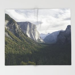 El Capitan Dreams Throw Blanket