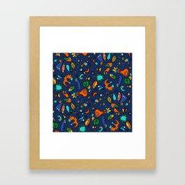 Amusons nous mini hélène Framed Art Print
