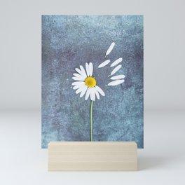 Daisy III Mini Art Print