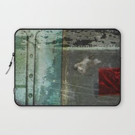 Everything is not okay Laptop Sleeve