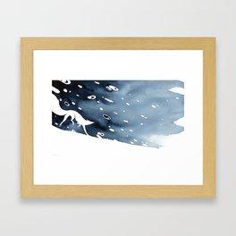 Cours comme la neige Framed Art Print