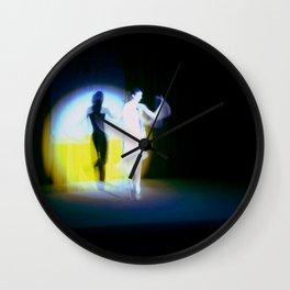 Des fils et défilés. Wall Clock