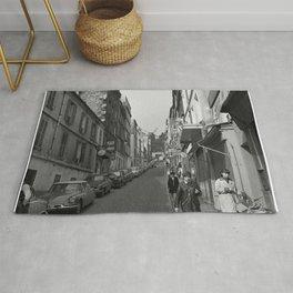 Rue Lepic in Montmartre, met aan het einde van de straat Le Moulin de la Galette, Bestanddeelnr 254 Rug