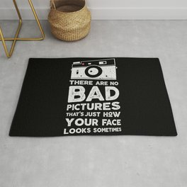There are no bad pictures, the photographer t-shirt Rug