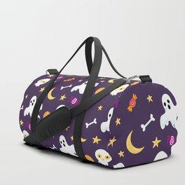 Happy halloween ghosts, moon , skulls and sweets pattern Duffle Bag