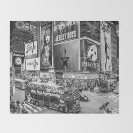 Times Square II (B&W widescreen) Throw Blanket