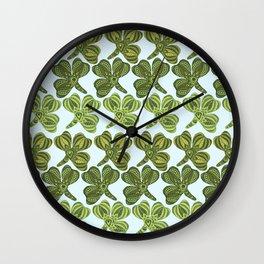 Clover pattern 1 Wall Clock