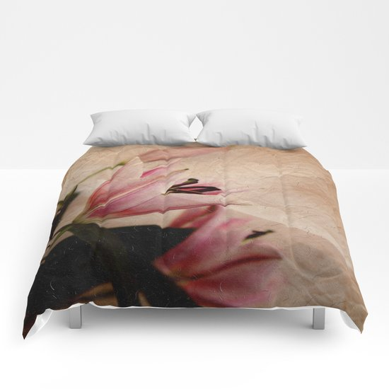 Flowers for a dream Comforters