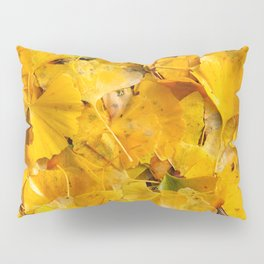 Ginkgo biloba leaves Pillow Sham