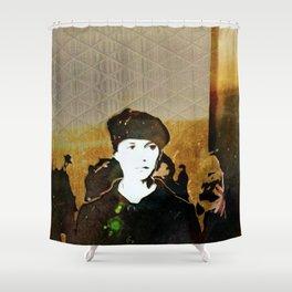Revolución Shower Curtain