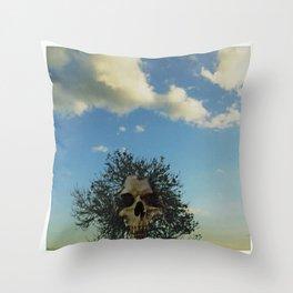 skull tree Throw Pillow