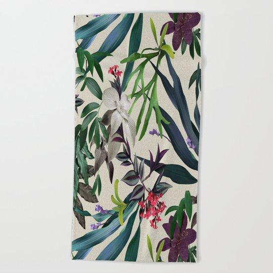 Tropical leaf pattern II Beach Towel