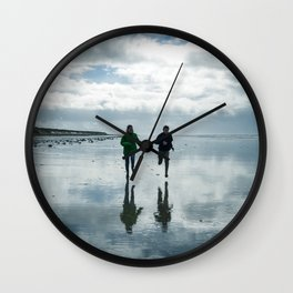 Run for your hapiness Wall Clock