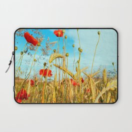 Lying in the cornfield, let your soul Laptop Sleeve