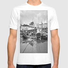 Tenby Harbour Boats.Pembrokeshire.B+W. MEDIUM White Mens Fitted Tee