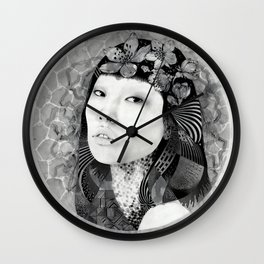 In-Spiral Wall Clock