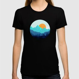 Wild mountain sunset landscape T-shirt