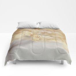 winter hydrangea Comforters