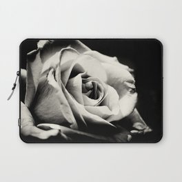 She Blooms Laptop Sleeve
