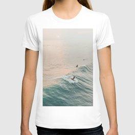summer waves iv T-shirt