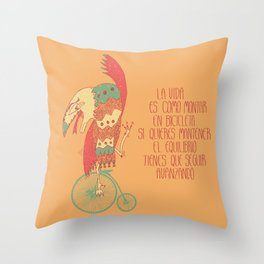 Seguir avanzando Throw Pillow