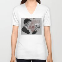 hamlet V-neck T-shirts featuring Hamlet  by Cécile Pellerin