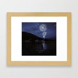 Constelaciónes de una estrella spiegel Framed Art Print