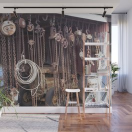 Endless Chains are always endless Wall Mural