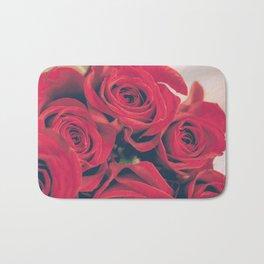 Bundle of Red Roses Badematte