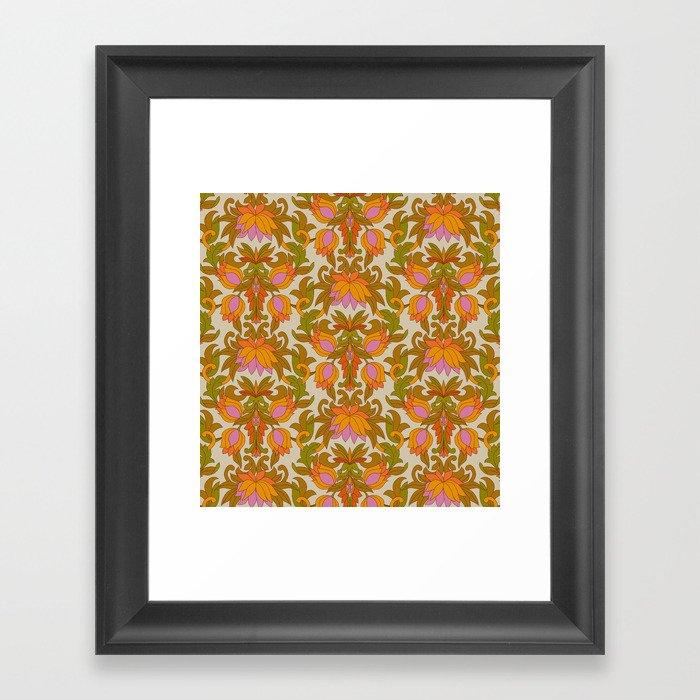 Orange, Pink Flowers and Green Leaves 1960s Retro Vintage Pattern Gerahmter Kunstdruck