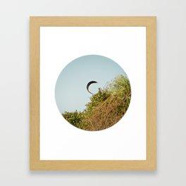 """""""CREEPING IN"""" kitesurf . kite . surf Framed Art Print"""